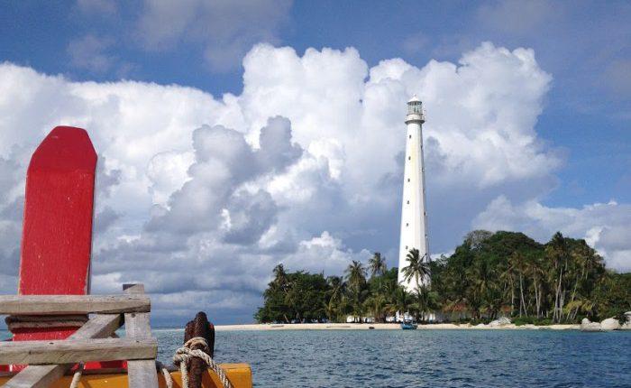 Pulau Lengkuas - Foto oleh jackandjilltravel.com